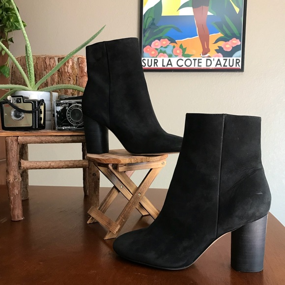 eedb012370ab  SAM EDELMAN  Corra Stacked Heel Booties in Black.  M 5b6ba7d715379533467e4e51